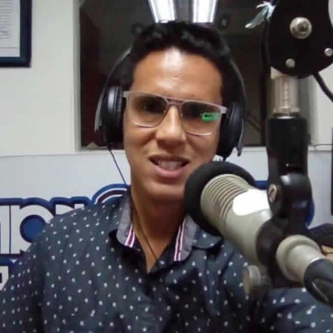 """Entrevista en el programa """"Mañaneando con Sonorama"""", en Sonorama 94.5 FM"""